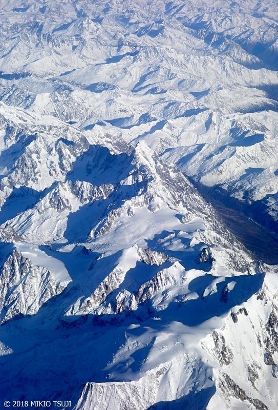 絶景探しの旅 - 0460 日本の登山家も挑んだアルプス山脈モンブラン山塊 雪のグランド・ジョラス (フランス上空)