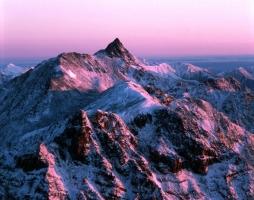 ak0507901176北穂高岳から槍ヶ岳を望む(北アルプス)-650x512